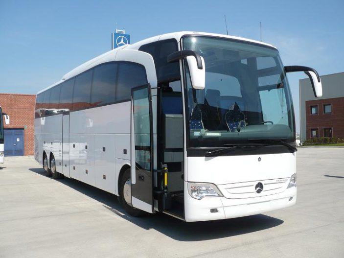Autocar pentru transport